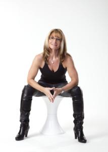 Silvia Weber, sitzend